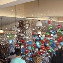 Balon eksplozije-kiša od balona